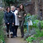 The Duchess of  walks with RHS Director General Sue Biggs / Photo copyright RHS / Suzanne Plunkett